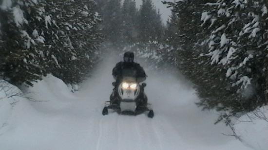 les joies de la moto neige